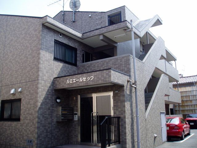 摂津市千里丘東の賃貸物件外観写真